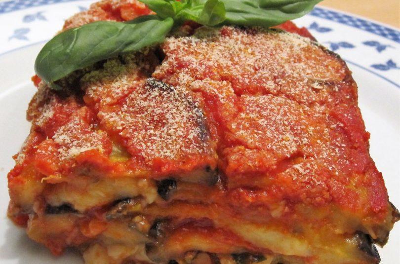 """Parmigiana di melanzane al forno """"alla siciliana"""" senza frittura"""