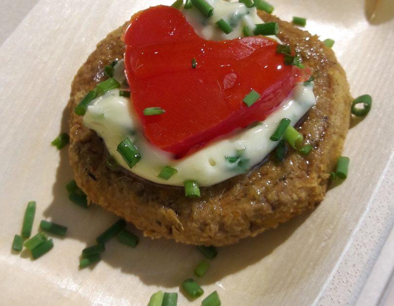 Mini burger di lenticchie con maionese Cuore all'erba cipollina