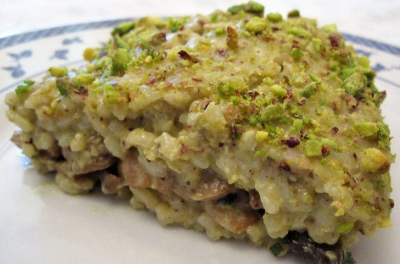 Riso al forno con pesto di pistacchi e funghi champignon