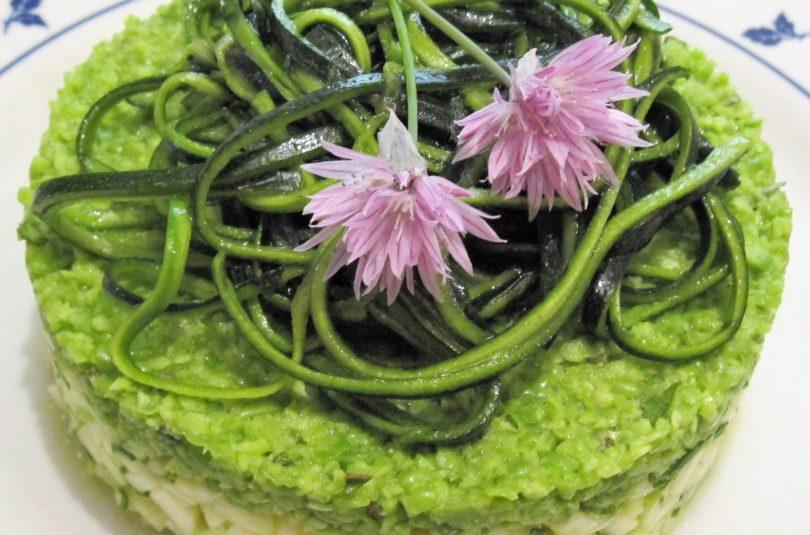 Tartare di zucchine e piselli freschi all'erba cipollina