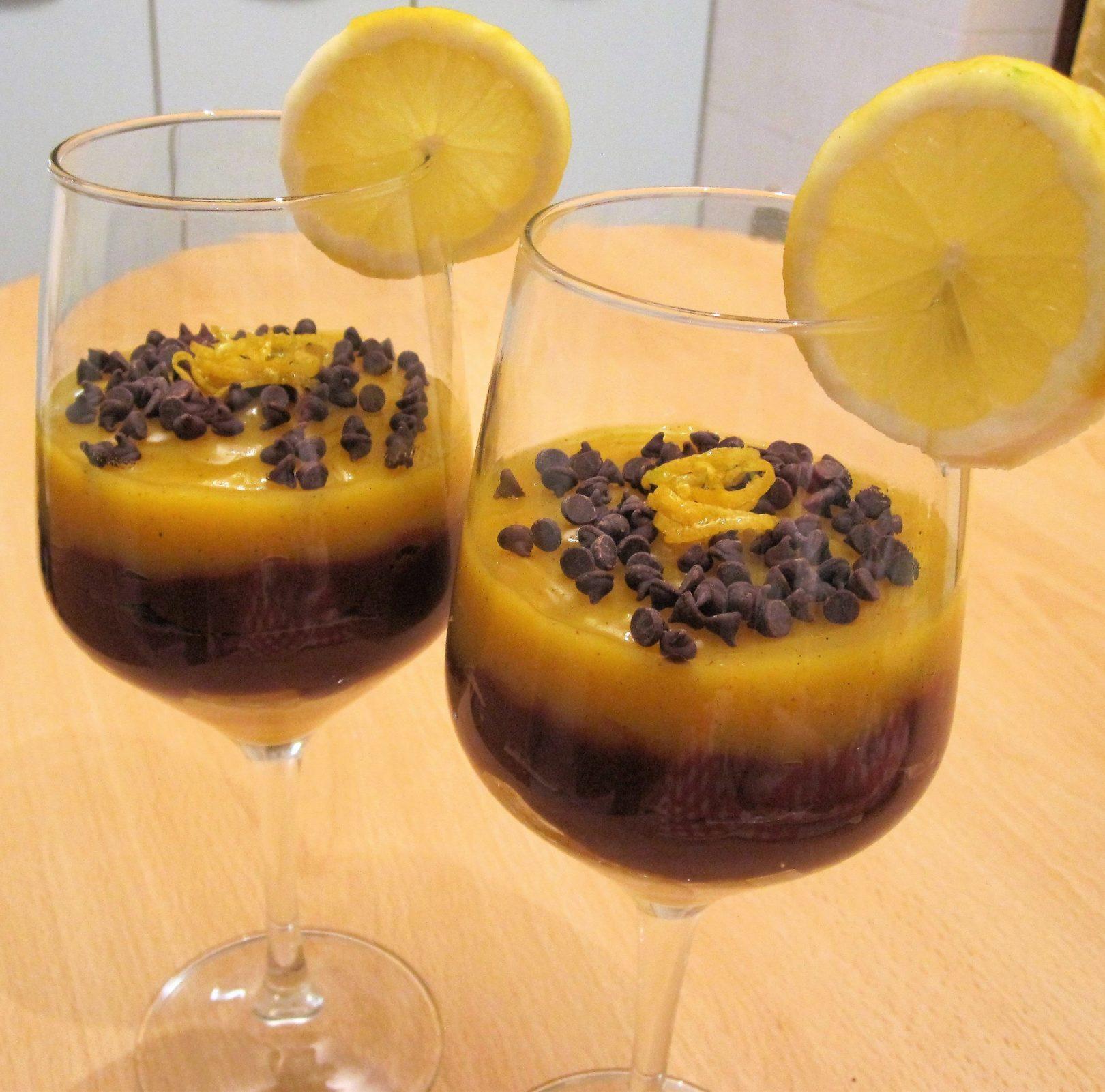 """Coppa golosa al cioccolato, zafferano, """"sorpresa"""" di pere e aroma di limone"""