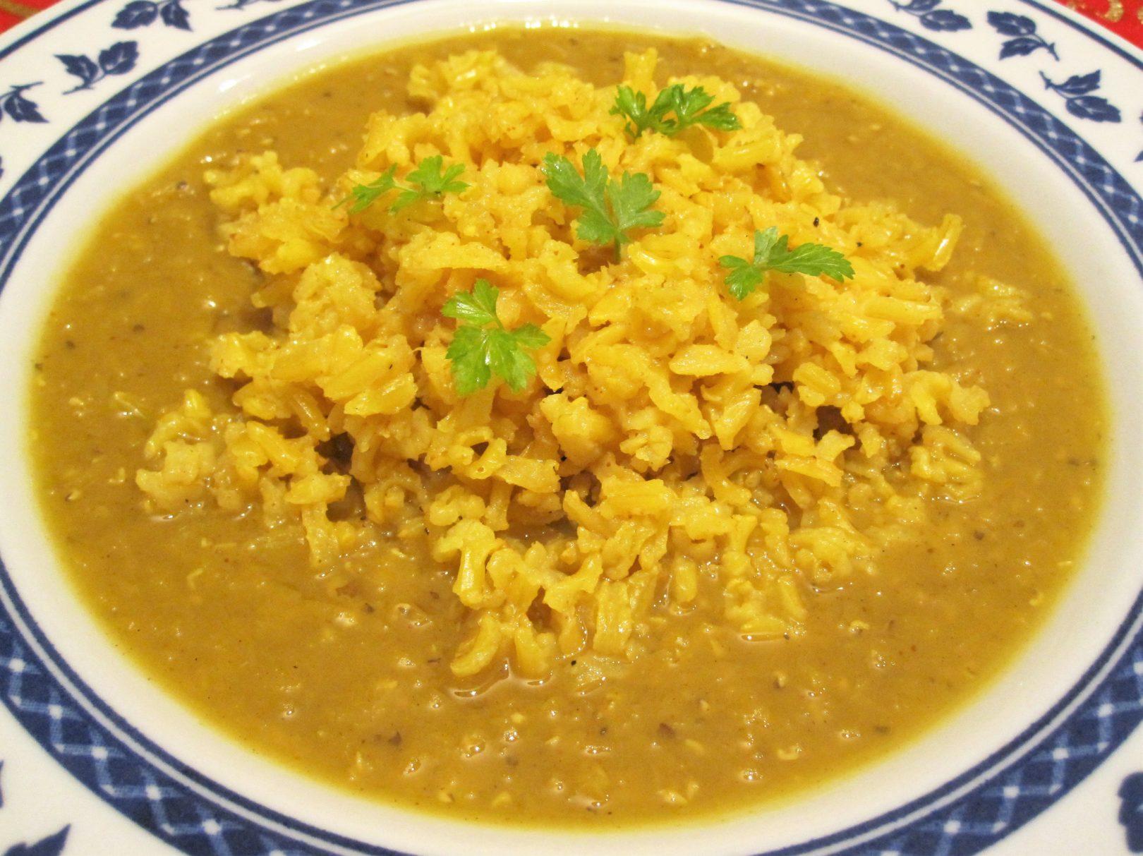 Dahl di lenticchie rosse con riso basmati speziato