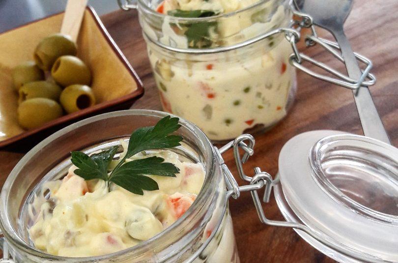 Insalata russa con maionese vegetale