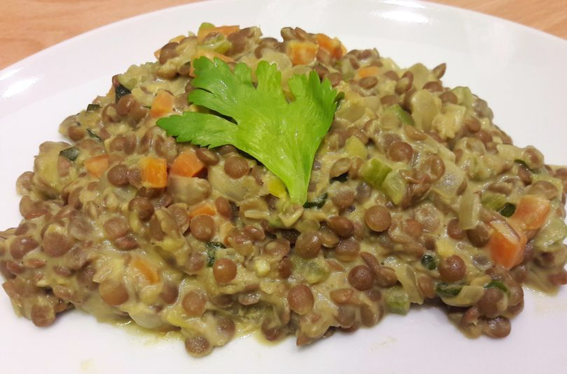 Lenticchie al curry, zenzero e latte di cocco