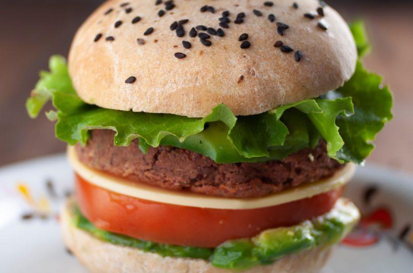 Panino al volo (con pane homemade e burger di fagioli rossi)