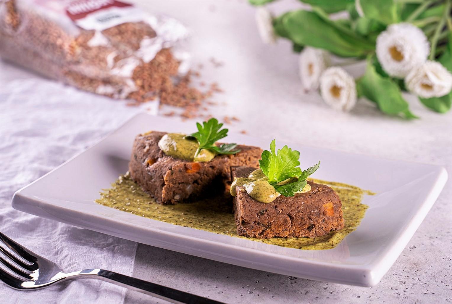 Sformato di lenticchie con maionese alla canapa