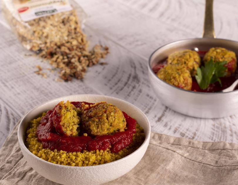 Couscous con polpette al curry e pomodoro