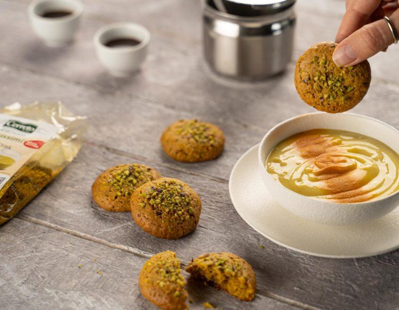 Crema dolce golden con biscottini