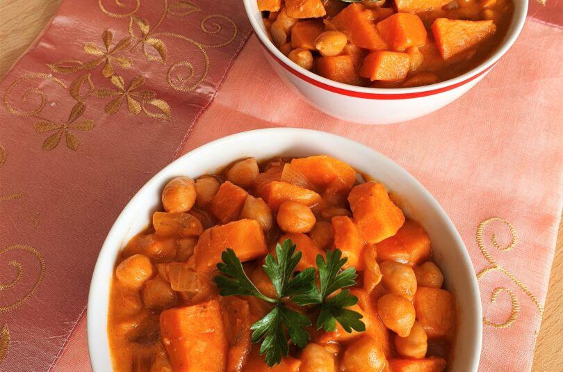 Curry di patate dolci e ceci al latte di cocco