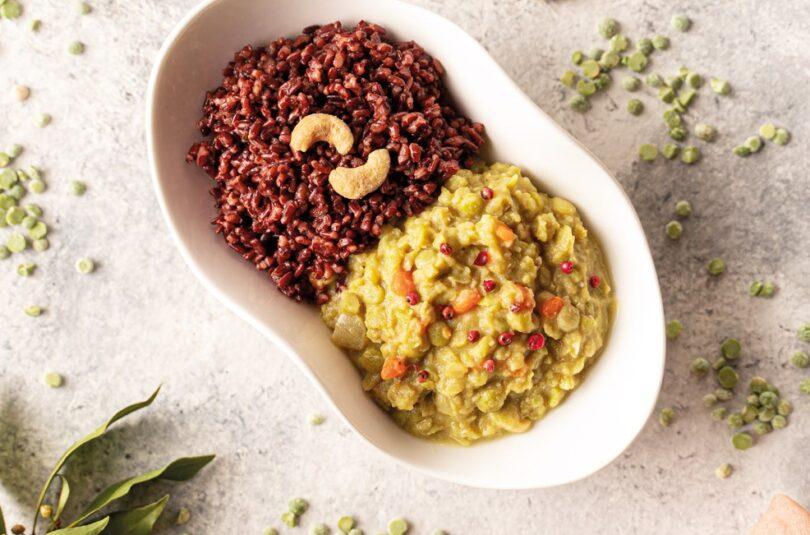 Piselli alle spezie con riso rosso